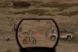 На Вашу базу движутся войска противника. Используйте разнообразное оружие и Ваши снайперские способности, чтоб защитить строения от вражеских атак. В  перерывах между боями, вы можете покупать новое оружие и ремонтировать базу.