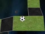 И снова знакомый мячик в физической игре на прохождение лабиринта. Цель осталась той же - вы должны преодолеть все препятствия и узкие места и, при этом, обладать хорошей ловкостью, чтоб футбольный мячик не упал в пропасть!