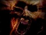 Основным персонажем этой игры стал герой одноименного фильма призрачный гонщик. Он борется с нечистью не на жизнь а на смерть. Если он не убьет монстров, они не дадут ему пощады. Убивать монстров Призрачный Гонщик может при помощи своего дьявольского хлыста. Что бы Совершить удар, используйте левую кнопку мыши. Что бы персонаж двигался, используйте стрелки.