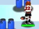 Яркая спортивная игра перенесет Вас на поле, где играют в хоккей. Вы будете хоккеистом. Ваша цель провести шайбу через все поле. Используйте для этого свою мышь. Избегайте столкновений с препятствиями и собирайте еду, которая придаст Вам энергии.