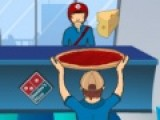 В этой игре на ловкость Вам предстоит приготовить пиццу не совсем обычным образом. Все ингредиенты начинку нужно будет словить на корж. Управлять ловцом еды можно при помощи стрелок клавиатуры.