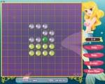 В этой игре Вы играете в подводном лабиринте из пузырьков. Проведи золотой пузырёк так, чтобы все белые пузырьки окрасились в другой цвет. Но помни - вернуться назад золотой пузырёк не может.