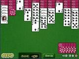 Пасьянс Паук с одной мастью. Ваша задача — собрать цепочку карт от короля до туза. Перемещать карты можно только по принципу младшую на старшую. Если таких комбинаций вы не видите, то запрашивайте ещё дополнительные карты внизу.
