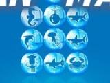 Соберите три одинаковых морских обитателя вряд что бы шарики лопнули. Принцип передвижения шариков такой же как в игре пятнашки. Вы можете на пустое место передвинуть только один шарик который находится рядом.
