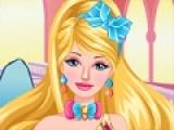 Займись внешностью будущей принцессы Барби. Очисти ей лицо скрабами и нанеси увлажняющие маски, выщипай брови и сделай самый красивый макияж, что бы она действительно была похожа на принцессу.