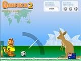 Гарфилд отправился путешествовать по миру вместе с футбольным мячом. Выбирайте угол и силу удара мяча и пинайте.