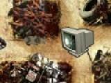 Увлекательная игра свалка перенесет Вас в лабиринты выстроенные из мусора. Вы будете управлять крысой, которая собирает мусор, что бы получить супер силу и уничтожить мерзких черных воронов.