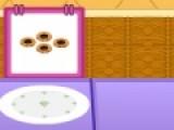 Вы будете управлять автоматом, который готовит еду в кафе. На двигающейся ленте будет находиться пустая тарелка с заказом. Ваша задача при помощи мыши выбрать подходящее блюдо и, нажав на пробел, переместить его в тарелку.