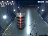 Забавная аркада на ловкость с отличной графикой. Вы играете за робота, который должен избегать столкновений в разными предметами.