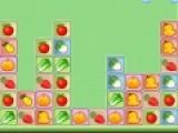 Что бы пройти уровень, необходимо убрать как можно больше овощей и фруктов с игрового поля. Для этого перемещай их местами. Перемещение осуществляется при помощи клика левой кнопкой мыши.
