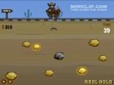 В этой игре в жанре золотоискателя Вы должны собрать все золото до истечения времени. Чем больше золота Вам удастся собрать, тем больше получите бонусных очков. Брать надо только блестящее золото. Управляйте вагонеткой стрелками.