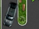 Эта игра представляет собой один из симуляторы парковки с очень жесткими правилами. Постарайся занять свое место при этом не помять автомобиль.