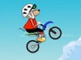 Перед Вами отличная игра про мышь на велосипеде. Она очень любит гонки по бездорожью. Ваша задача помочь мышонку преодолеть сложную трассу. Управляй ее велосипедом при помощи стрелок.