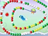 Перед Вами еще один Вариант классической игры Зума, в которой Вам придется играть с веселым дельфином. Не дайте шарикам пройти весь лабиринт. Для этого пусть дельфин бросает цветные шарики в группы шариков такого же цвета.