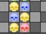 Целью игры является выстраивать черепа одного цвета рядом и не допускать что бы блоки из черепов поднялись слишком высоко.