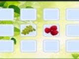 Цель развивающей игры, которая перед Вами проверить Вашу зрительную память. Для того, что бы пройти игру необходимо убрать все перевернутые карточки. На обратной стороне карточек нарисованы сочные овощи и фрукты. Переворачивайте карточки с одинаковыми фруктами, что бы они исчезли.