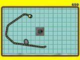 Настоящая змейка питается не точками, а мышами! И ходит не по клеточкам, а как и где захочет! Вот что называется дать настоящую свободу змеям!