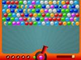 Лопайте пузыри из специальной пушки. Для этого стреляйте разноцветными шариками. Когда больше трех пузырей одинакового цвета собирутся в группу, они лопнут.