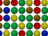 Постарайтесь убрать как можно больше шариков с игрового поля. Для этого делай двойной щелчок левой кнопкой мыши по группам состоящим из шариков одного цвета.