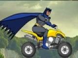 Бетмен решил отвлечься от своих забот и прокатиться на своем модном байке. Но он хотел, что бы его никто не видел. В безлюдных местах большие проблемы с ровной трассой. Помоги Бетмену преодолеть весь путь и не перевернуться на своем мотоцикле. Прояви ловкость в управлении двухколесным конем.