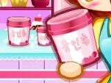В этой игре Вам предстоит разложить мороженое по движущимся полочкам. Но у каждого мороженого есть свое место. И никакой из других десертов на то место стать не сможет