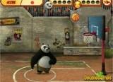 Панда Кунг Фу играет в баскетбол и вы должны померяться с ней силой на игровой площадке. Стиль бросков у соперника очень необычный, но главное — эффективность!
